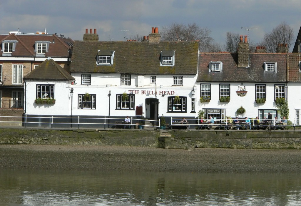 The Bulls Head Strand on the Green